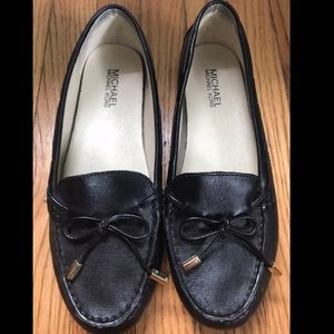 Michael kors black leather flats loafers size 8